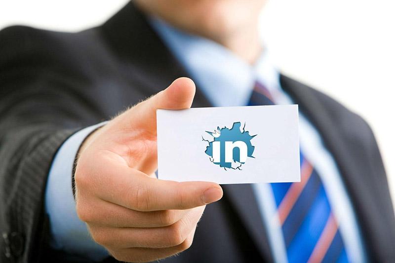 Raggiungi clienti B2B con Linkedin