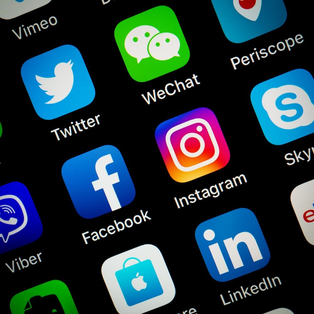 Facebook ancora leader tra i social in Italia, Instagram segue a ruota