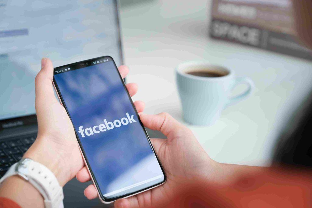 Facebook annuncia: vuoi condividere un articolo? Prima prova a leggerlo!